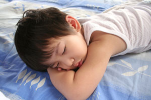asian-boy-sleeping